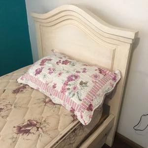 Juego de dormitorio de pino patinado
