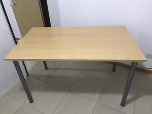 Mesa semi nueva
