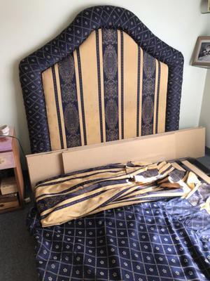 Vendo juego de respaldo de sommier y cubre cama hecho a