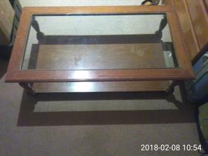 Mesa ratona de roble con vidrio
