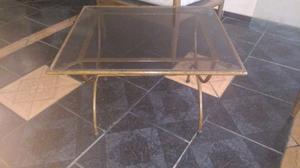 Mesita ratona de hierro con vidrio templado