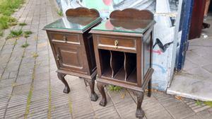 Antiguas mesas de luz de estilo en madera de Roble