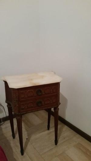 Juego antiguo dormitorio 2 Mesas De Luz y cama Estilo