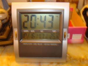 Reloj De Pared Con Temperatura,melodias Y Alarma