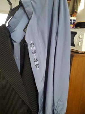 Traje de Hombre completo con camisa y corbata