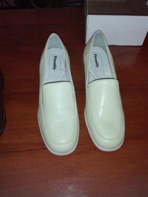 Zapatos casi sin uso