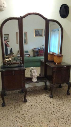 Antiguo vestidor estilo chipendal