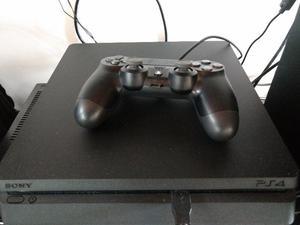 Play-station 4 Sony nueva sin uso con 3 juegos nuevos