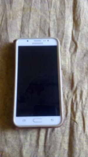 Vendo Samsung j liberado blanco impecable con cargador
