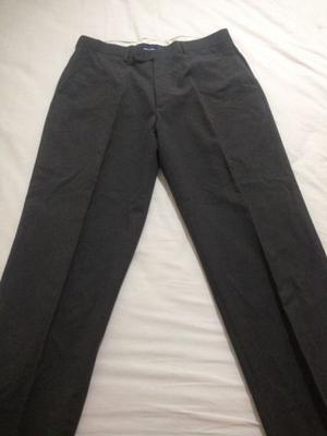 Excelente pantalón de vestir de hombre
