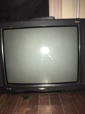 """Tv Phillips 21"""" pulgadas usado muy buen estado con control"""