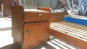 Cama y mesa de luz tipo marinera y 2 sillas