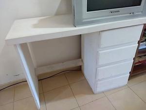 escritorio en perfecto estado