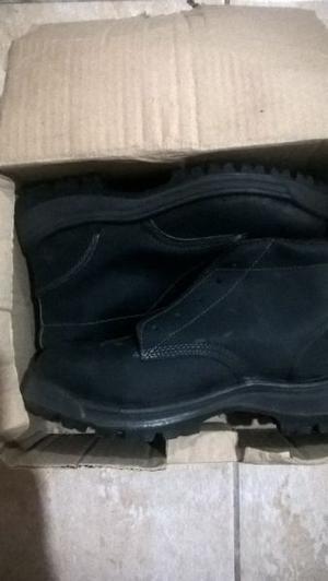 vendo o permuto calzado de seguridad talle 44 nuevos