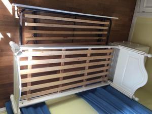 Cama de madera con cama carro abajo