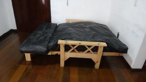 Futon de dos cuerpos (sillon-cama) + 2 colchonetas