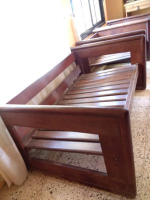 Juego de living: Sofá de algarrobo 2 cuerpos y 2 sillones