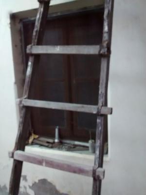 vendo escalera con uso! para reparar