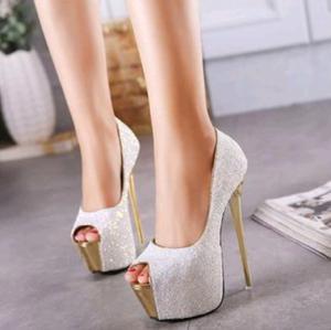 Zapatos importados con brillo