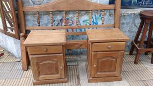 Cama 2 plaza y mesa de luz de algarrobo
