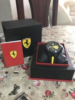 Reloj Ferrari Race Day. NUEVO Y ORIGINAL.