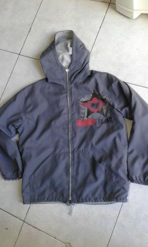 VENDO CAMPERA REVERSIBLE DE NIÑO, TALLE 8, COLOR GRIS