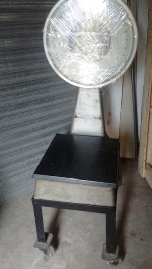 BALANZAS Reloj 150 Kg Y otra 50 kg T/ BASCULA con Carro base