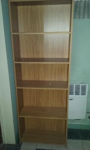 Biblioteca de 4 estantes