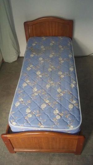 Cama de cedro 1 plaza con colchón