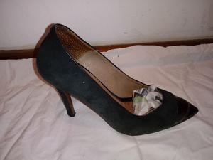 Zapatos Paruolo de gamuza con punta de charol talle 36