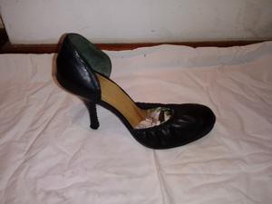 Zapatos de cuero talle 36 con punta elastizada