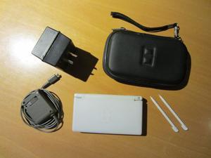 Nintendo Ds Lite + Cargador + Transformador + Accesorios