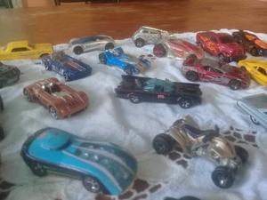 Vendo lote de 32 autitos de coleccion