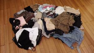 Vendo Lote de 100 prendas de mujer excelente estado
