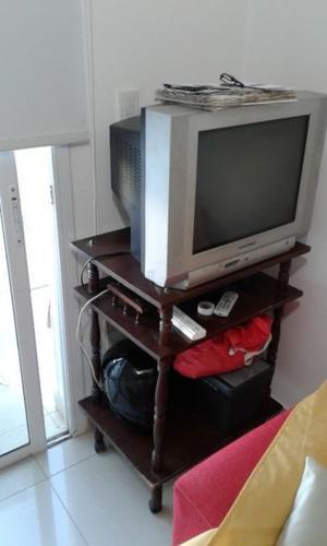 """Vendo Mesa TV y TV Daewoo 29"""""""