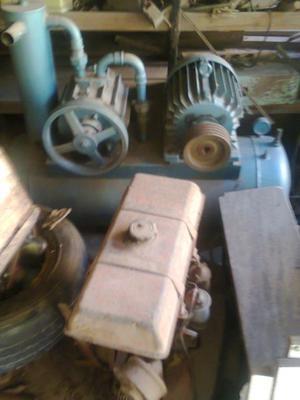 1 bomba de vacio con motor de 5hp,2 motores de heladeras
