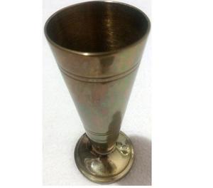 Antiguo florero de bronce macizo 355 grs