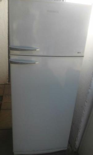 Helladera Patrick con Freezer 340 Litros Excelente Estado y