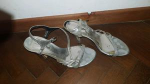 Sandalias Plateadas Nro. 37