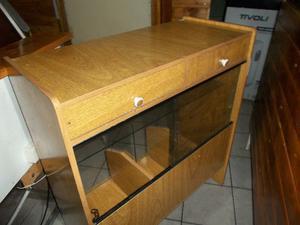 Vendo caja de madera y vidrio