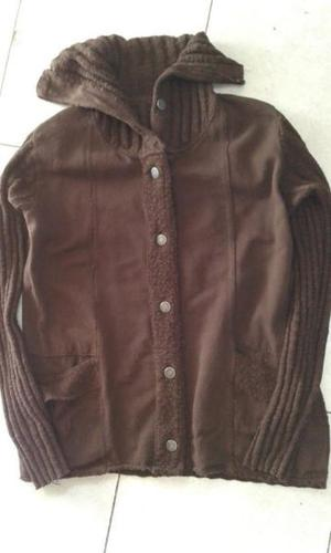 VENDO CAMPERA DE HILO Y TELA RUSTICA, COLOR MARRON CON