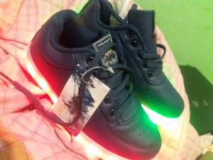 Vendo zapatillas sin uso con luces led