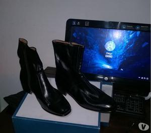 vendo 7 prendas de mujer y un par de botas de hombre n. 42