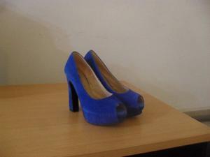 vendo zapatos de gamuza azul