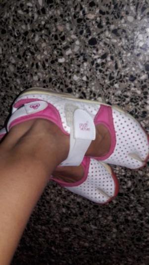 Vendo zapatillas mujer Union good