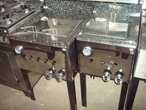 Freidora comercial a gas, enlosada con laterales y frente de