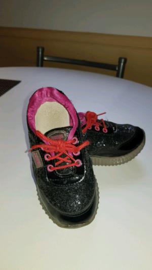 Zapatillas Con Glitter Nro. 26. Marca Junior