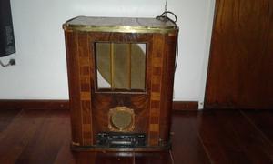 Vendo radio antigua de madera con autoestereo