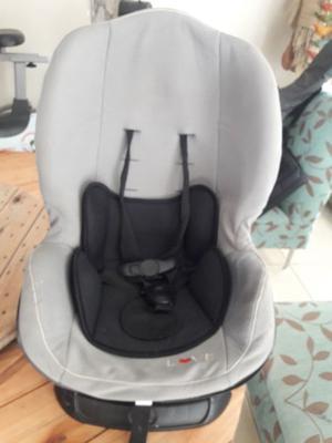 sillita o butaca de bebé para auto. IMPECABLE. POCO USO.