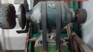Amoladora de banco trifásica con motor de 1 1/2 Hp